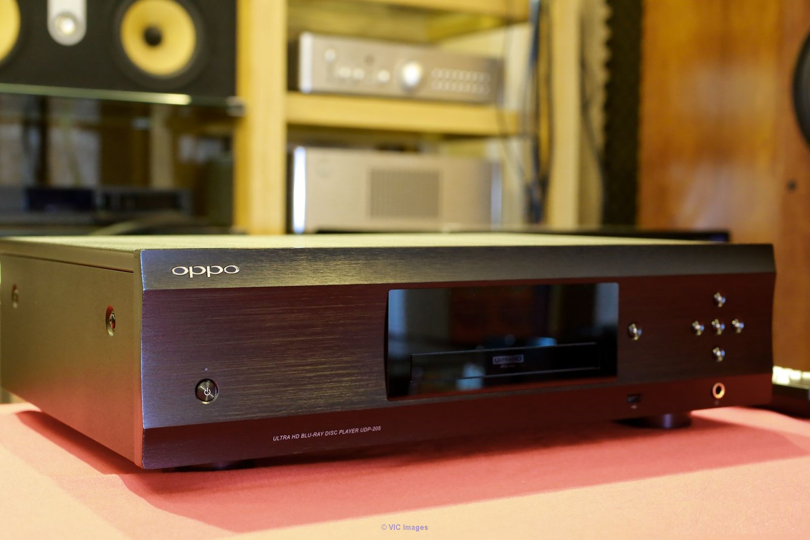 Am selling my  Used OPPO UDP-205 4k Blu-Ray player Boston, USA Classifieds